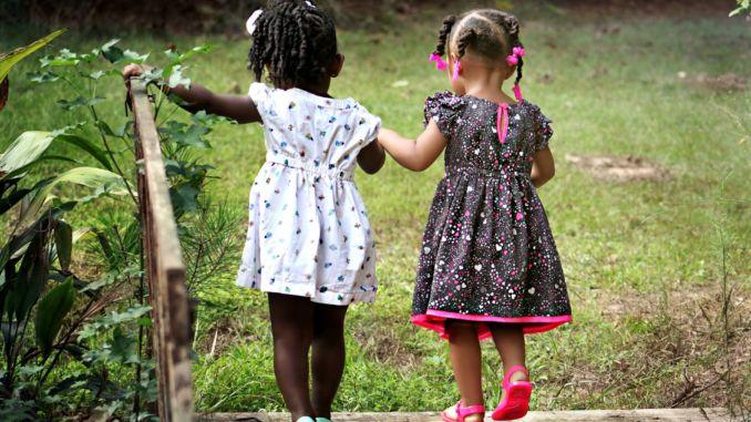 Un estudio muestra que el altruismo comienza en la infancia