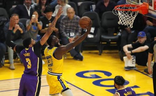 Exhibición de Lakers, sin James; Thunder siguen ganando