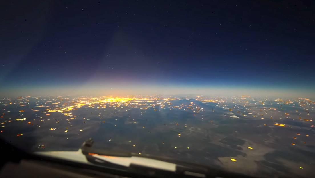 Piloto muestra imágenes sorprendentes de la tierra desde cabina de avión