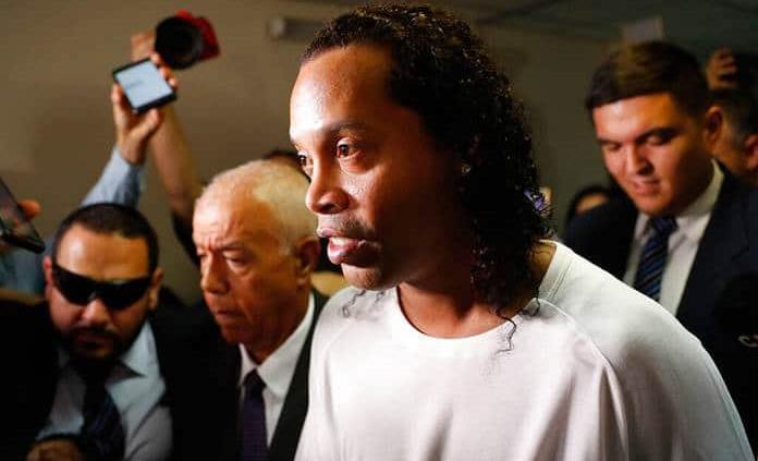 Rechazan apelación de Ronaldinho, que sigue en prisión preventiva en Paraguay