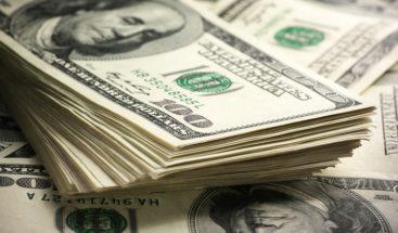 Cliente deja una propina de 2,500 dólares en un restaurante