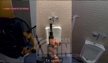 Robots limpia baños públicos de forma autónoma
