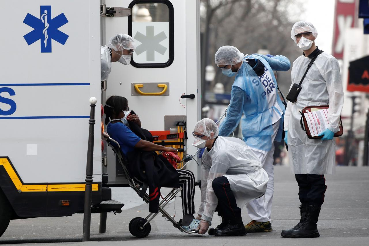 OMS alerta por aceleración de pandemia, que se ha doblado en casos en 12 días