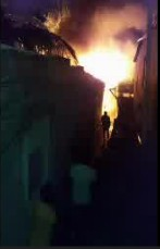 Incendio destruye varias viviendas en barrio Mejoramiento Social