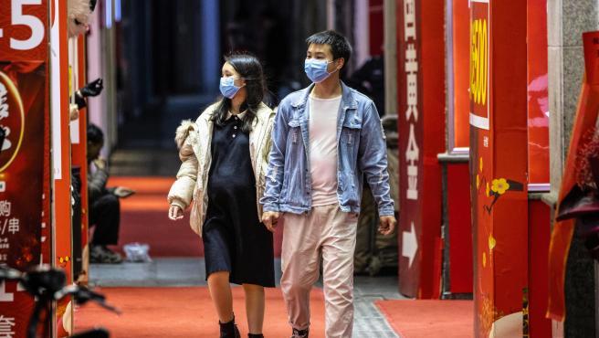 Tokio insta a evitar salidas innecesarias por la propagación del coronavirus