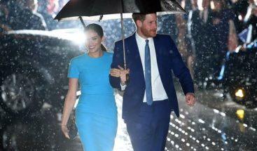 El príncipe Enrique y Meghan Markle se mudan a Los Ángeles, según fuentes