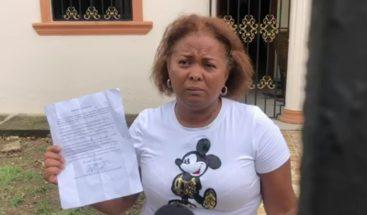 Mujer en Villa Riva asegura que no está enferma de Covid-19