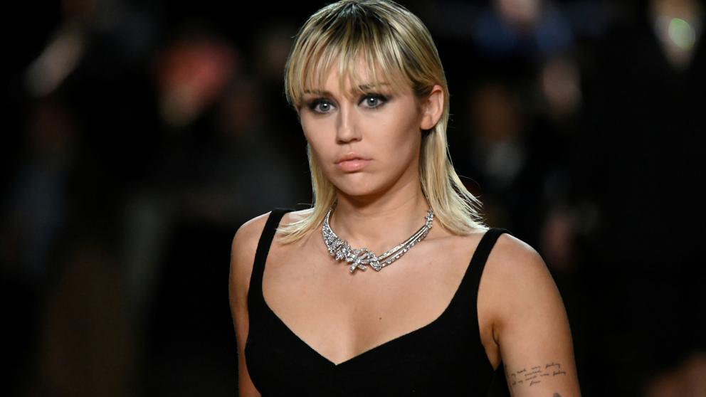 Miley Cyrus y Witherspoon descubren en cuarentena que habitaron la misma casa