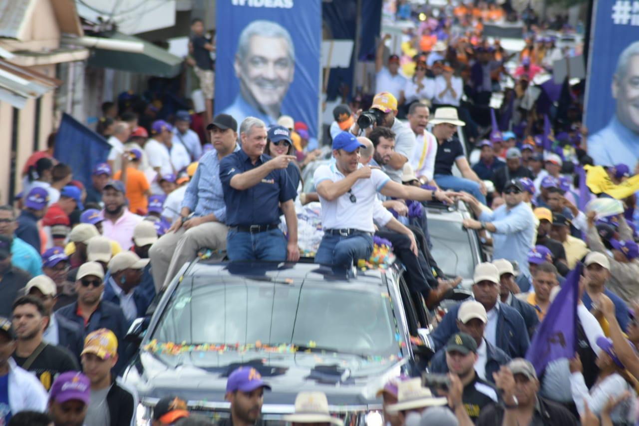 Gonzalo Castillo saluda escogencia de mujeres como candidatas a la vicepresidencia