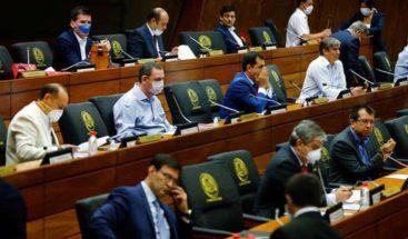 Senado paraguayo expulsa a legisladora imputada por violar cuarentena
