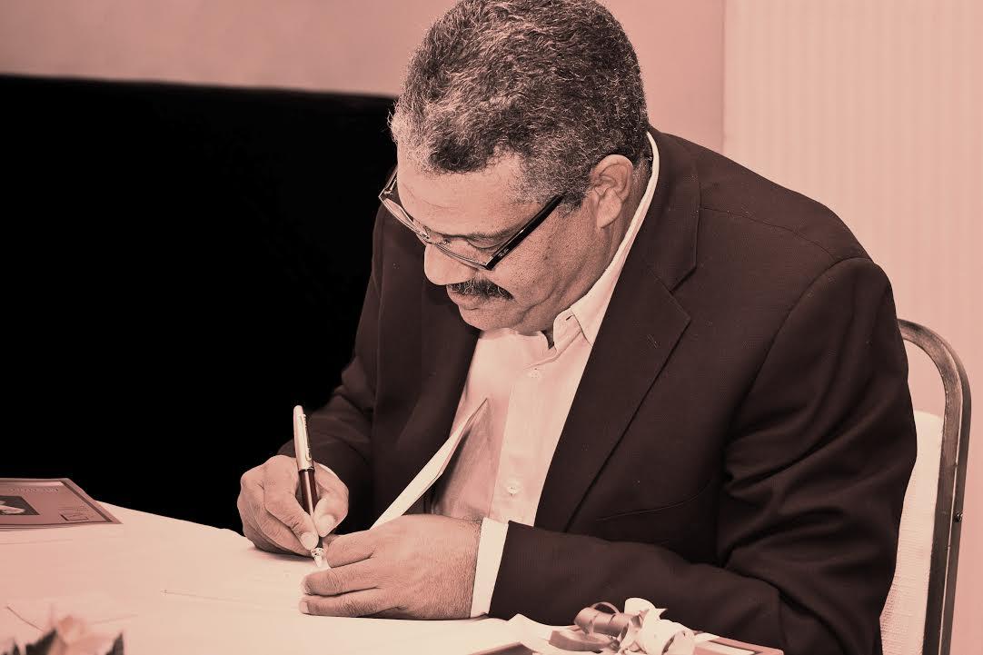 Ministro de Cultura se une al dolor del sector literario por muerte de René Rodríguez Soriano