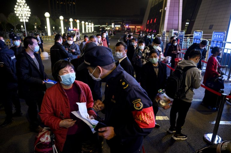 Sale el primer tren de Wuhan tras once semanas de cuarentena