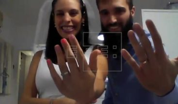 Una pareja de argentinos se casa por videollamada