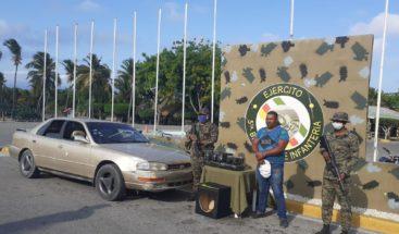 Ejército apresa hombre y le incauta siete paquetes de presunta marihuana