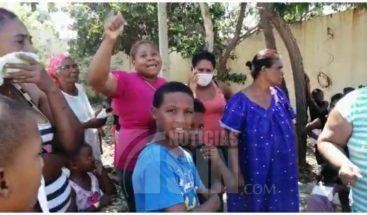 Moradores del barrio Nuevo Amparo denuncian no han recibido kits de alimentos