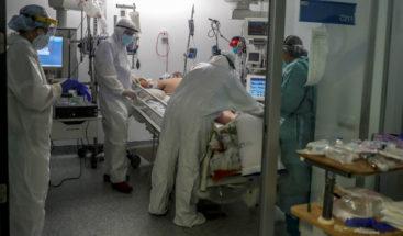 Vuelven a superarse 80.000 casos globales diarios, hasta los 1,43 millones