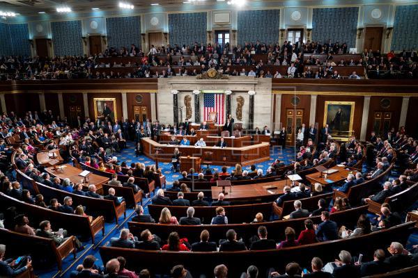 Cámara Baja de EEUU aprueba un nuevo plan de rescate de 484.000 millones