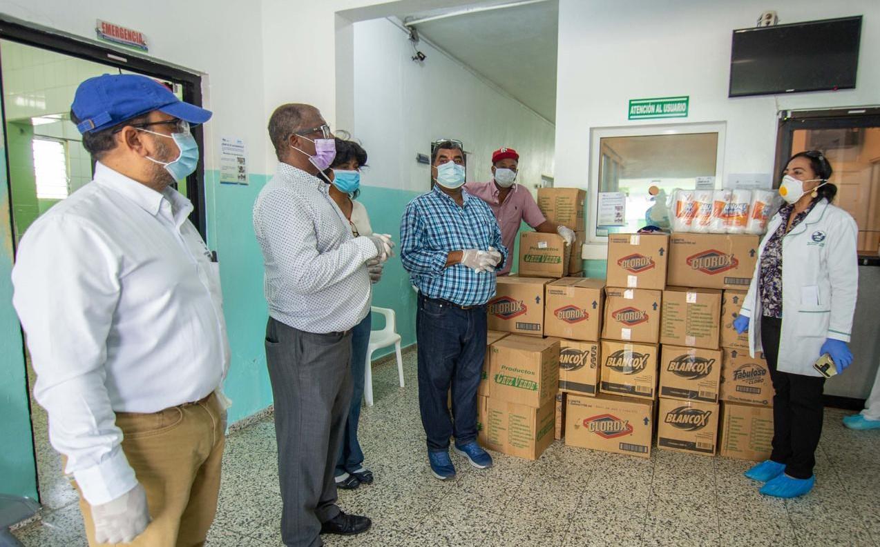 PRM entrega alimentos y desinfectantes en Montellano