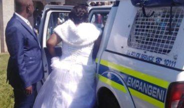 Pareja de recién casados termina en la cárcel por violar confinamiento