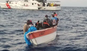 Armada detiene 22 personas que intentaban viajar a Puerto Rico