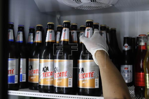 Mexicanos, nerviosos tras paralizarse la producción de cerveza