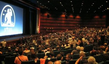 Cadenas de cines y Universal Studios se enfrentan por estrenos en internet