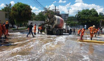 Realizan jornada de limpieza en establecimientos y oficinas públicas en Santiago