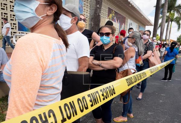 Florida supera los 300 casos mortales de COVID-10