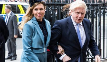 Boris Johnson y su novia Carrie Symonds son padres de un niño