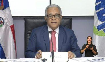 Ministro de Salud asegura hay suficientes especialistas para manejar COVID-19