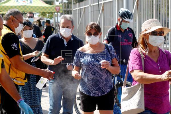 Chile cuenta 3.737 contagios y 22 muertes por COVID-19 al mes del primer caso