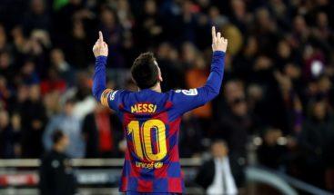 Subasta acompaña cuarentena con camisetas usadas por Maradona, Pelé y Messi