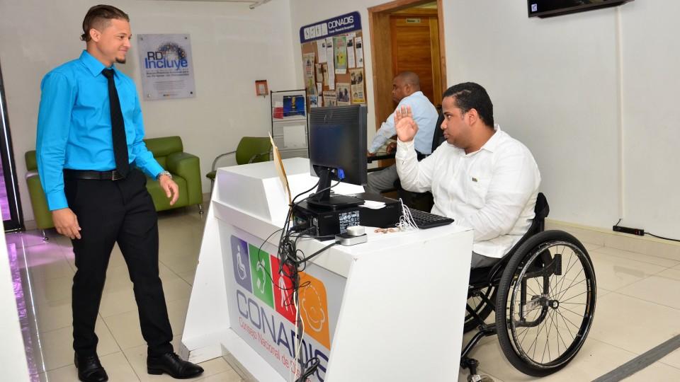 Gobierno incluye a discapacitados dentro de población vulnerable de la emergencia nacional