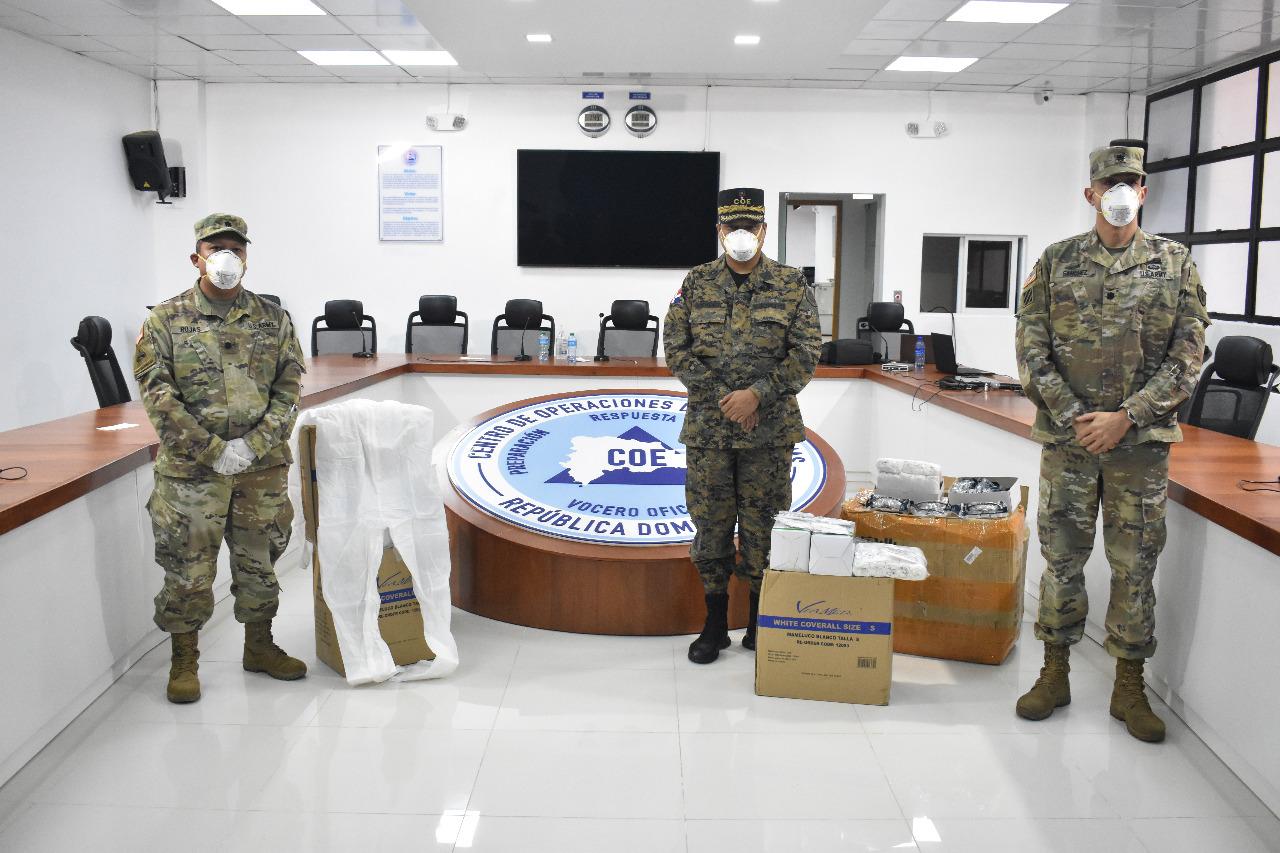 Embajada de EEUU dona equipos de protección personal al COE