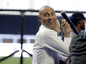 Jeter, CEO de Marlins, renuncia a su salario de cinco millones de dólares
