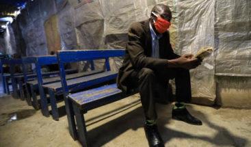 Kenia castigará con cárcel a quien no lleve mascarilla en lugares públicos