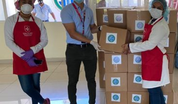 Grupo SID entrega cajas de alimentos en SDO y San Cristóbal