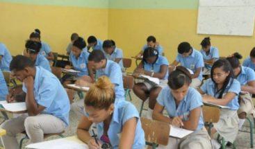 Estudiantes con notas mínimas para pasar serán promovidos al próximo grado