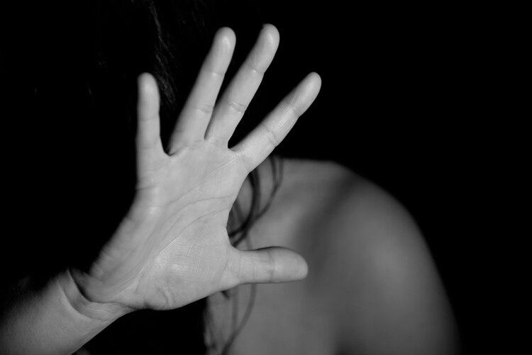 Buscar fortalecer asistencia remota a mujeres abusadas