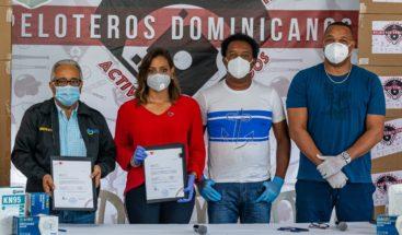 Fundación Pedro Martínez y Coalición de Peloteros entregan donación a Salud Pública