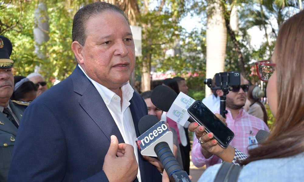 Alejandro Montás se integra a la campaña de Rafael Paz por la senaduría del DN