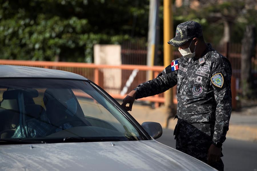 Un total de 130 policías dan positivo al COVID-19 y 60 están sospechosos