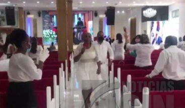 Higüey: Cierra iglesia por no cumplir distanciamiento social