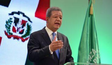 Leonel insiste en que gobierno debe revertir venta de deuda pública a las AFP