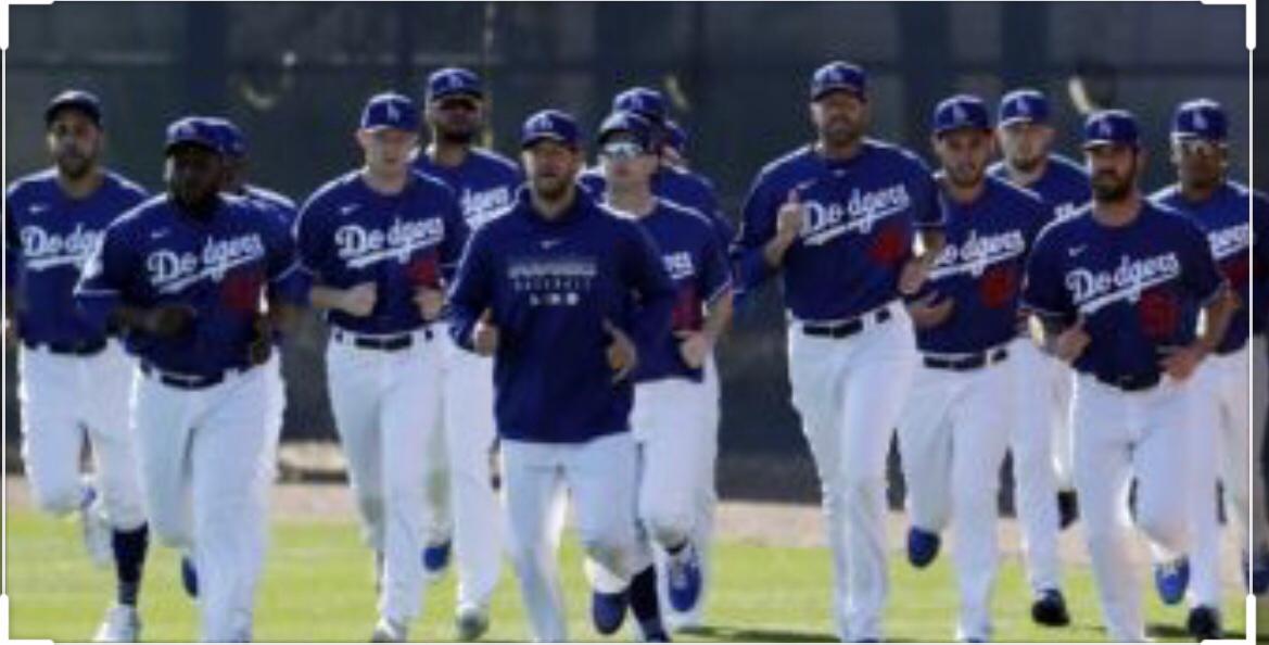 Fuentes: propuesta de MLB incluye bajar salarios a jugadores mejor pagados