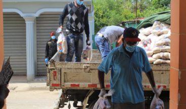 Fundación Pujols Family entrega alimentos en República Dominicana