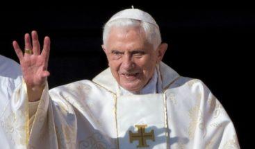 Benedicto XVI arremete contra el matrimonio gay y