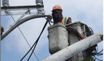 Edenorte realiza mantenimiento varios sectores de Bonao