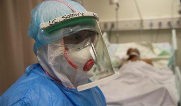 Falta de cuidados intermedios satura las UCI del país donde pacientes duran hasta tres semanas ingresados