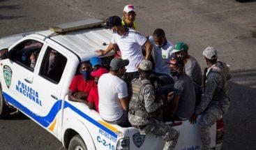 Al menos 64,583 personas han sido detenidas por violar toque de queda